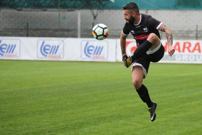 Marco Taino in azione con la maglia della Varesina (foto Scaringi)