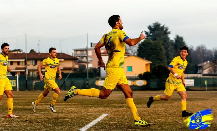 Sergio Sala esulta dopo il gol al Villa Cassano