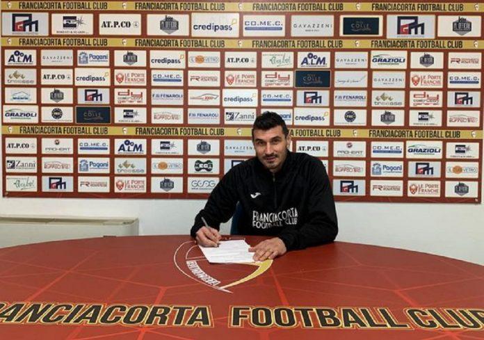 Tommaso Lelj firma per il Franciacorta