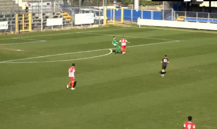 Lamesta ruba palla a Pennesi, il Caravaggio segna così il secondo gol