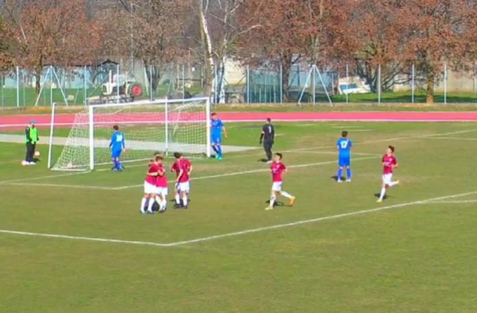 Saluzzo-Fossano, l'esultanza di Gonella dopo il momentaneo 2-0